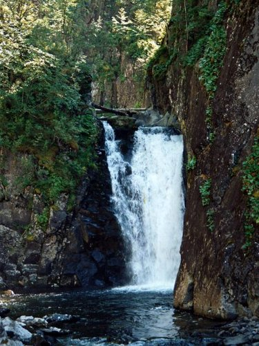 Водопад Телецкого озера