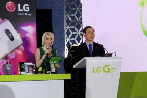 LG породнилась с Международной Космической станцией