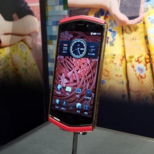 Анонсы: 8848 Phones представила смартфон за $2880