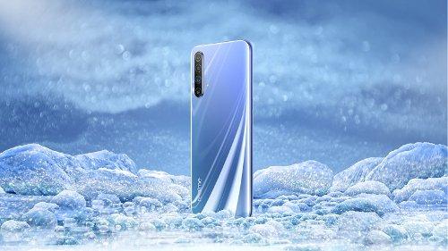 Слухи: 5G-смартфон Realme X50 отметился в TENAA
