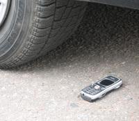 Nokia 5500 under car