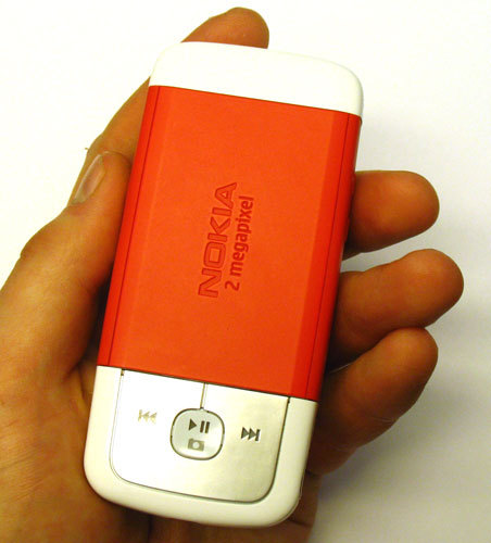 знакомый нам Nokia 3250,